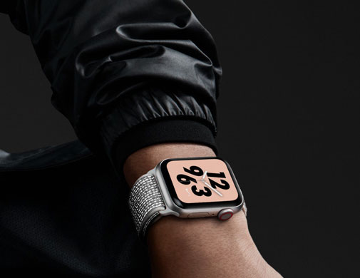 Apple Watch Nike+.Get connected through sport